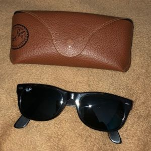 Authentic Ray ban wayfarer tortoise sunglasses